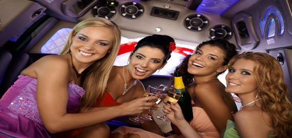 Make your Night Out in Downtown Toronto An Exciting Night – From Maria Limo